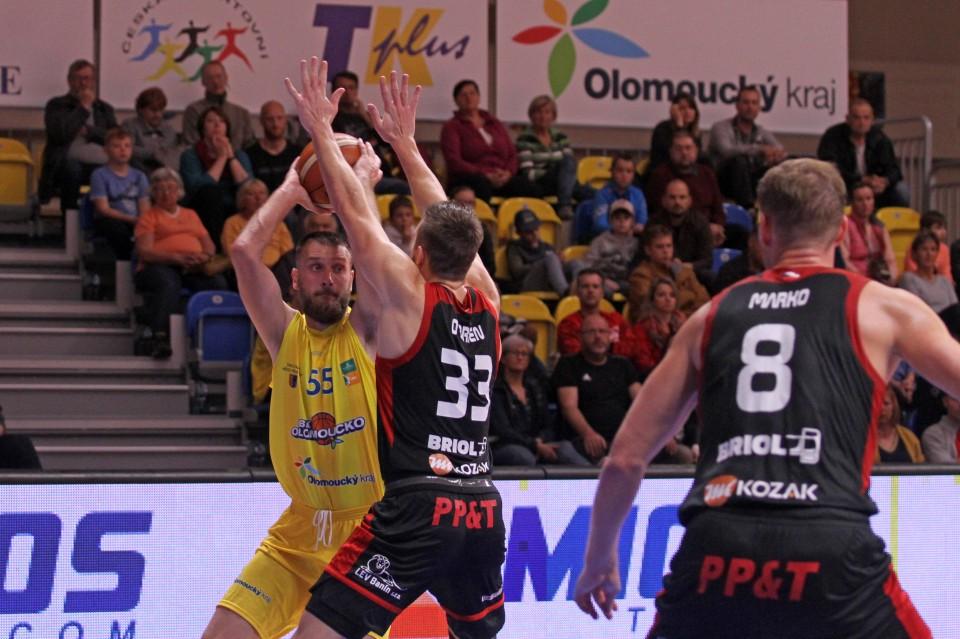 Basketbalisté se pokusí porazit svitavské Tury